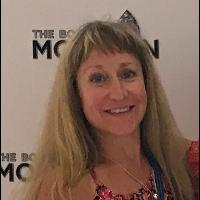 Laura's Profile